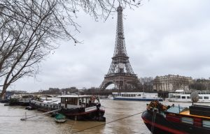 Evacuan Torre Eiffel