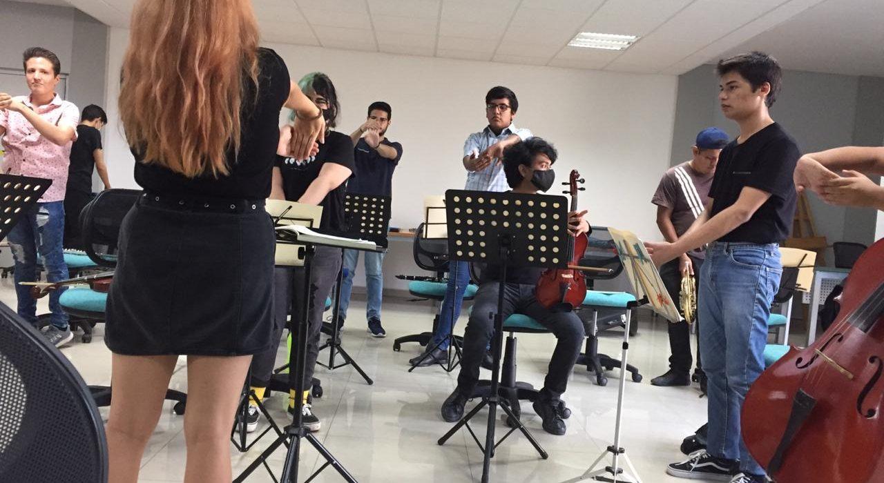 Pag7-1 orquesta teatro (2)